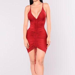 FASHION NOVA ruched dress red XS